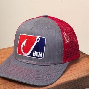 Snapback mesh trucker fishing hat